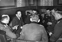 Заседание отдела пропаганды под руководством Йозефа Геббельса, Хассо фон Ведель крайний справа