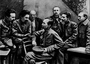 Чекисты вокруг своего лидера Феликса Дзержинского