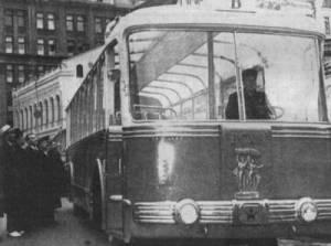 """Торжественная приемка первого троллейбуса """"ТБЭС-ВДНХ"""". 1955 год"""