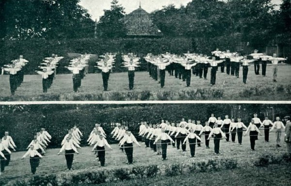 Занятие по гимнастике в Харьковской гимназии. Конец XIX века