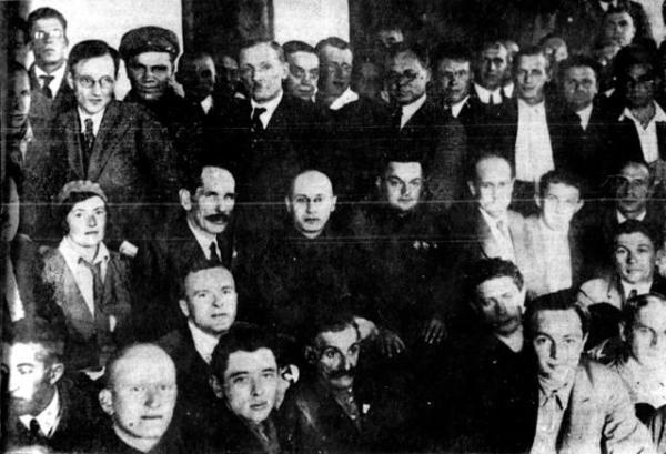 Группа писателей с начальником БелБалтлага Фириным