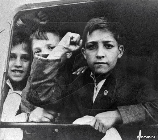 Испанские дети, прибывшие в Ленинград в 1937 году