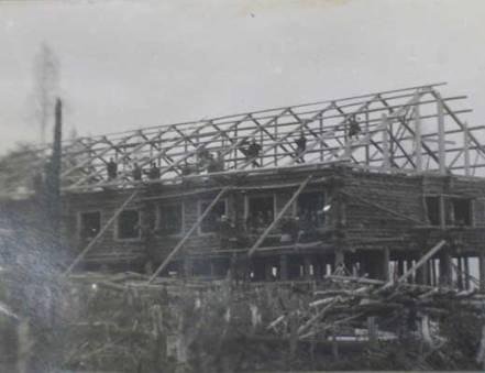 Строительство барака