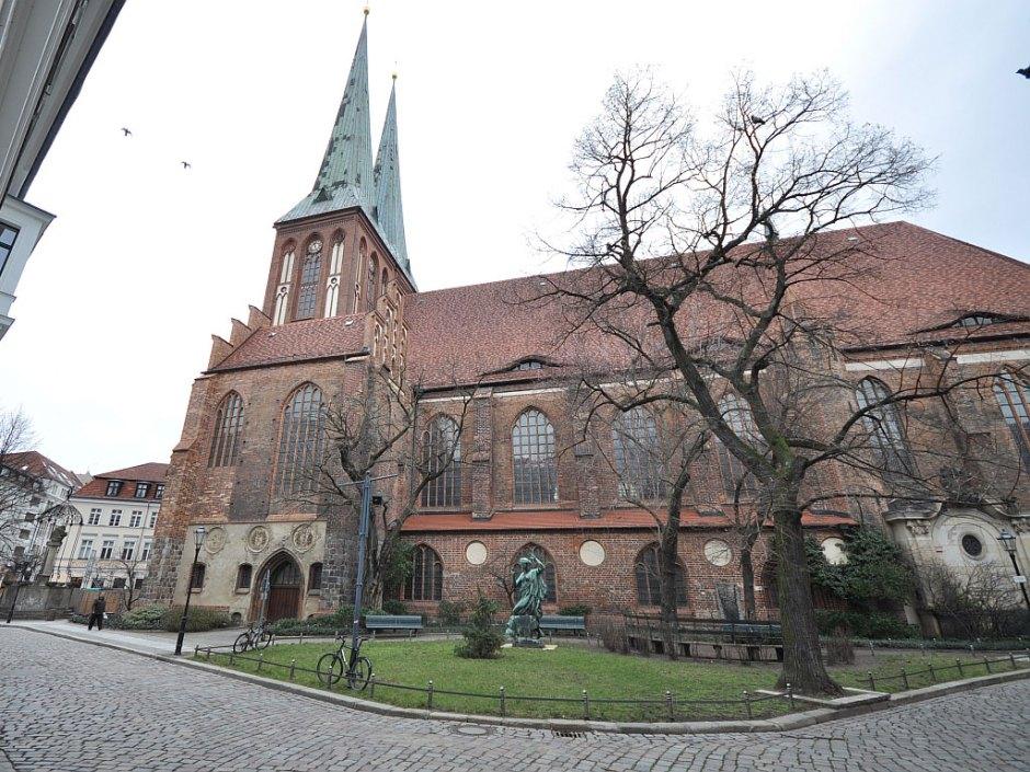 Николайкирхе, где когда-то служил отец Хорста Весселя, в наши дни.