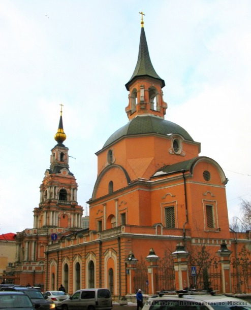 Храм Петра и Павла на Новой Басманной улице.