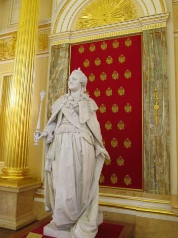 """Статуя Екатерины в одноименном зале музея """"Царицыно"""""""