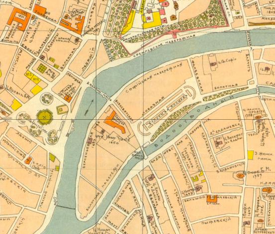 На этой карте 1916 года хорошо видна Всехсвятская улица, переходящая в Большой каменный мост (старый - который выходил дальним концом на ул.Ленивка. Мост был перестроен позже в 1930 годы после строительства Дома на набережной.