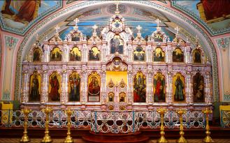 Дошедший до наших дней иконостас в храме Преображения Господня в деревне Саввино