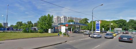 Бензоколонка и автостоянка за ней, расположенные на пересечении улиц Богородский вал и Краснобогатырской ул. - место, где раньше находился кирпичный завод Бутюгина.