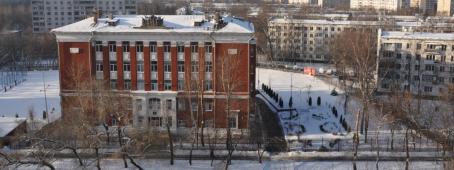 Кирпичный завод А.Гусарева занимал пространство, где в наши дни расположена Гимназия 1505 и спортивная площадка за ней (на пересечении 2-я Пугачевской улицы и Проектируемого проезда)
