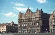 Начало 1930-х годов - здание надстроено несколькими этажами. На крыше, по некоторым данным, располагался прогулочный двор для подследственных.