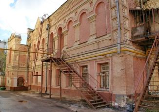 Бывшая стена храма в наши дни. Снимок сделан с той же стороны, что и предыдущий.